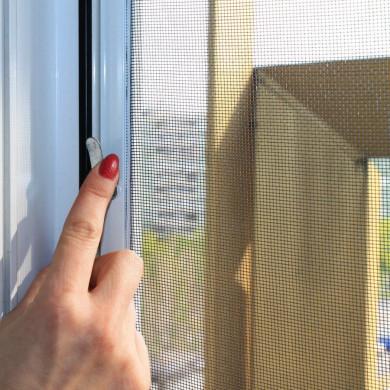 Москитные сетки в проем окна