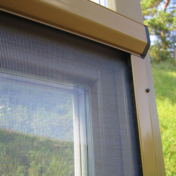 Дверные противомоскитные сетки роллетного типа